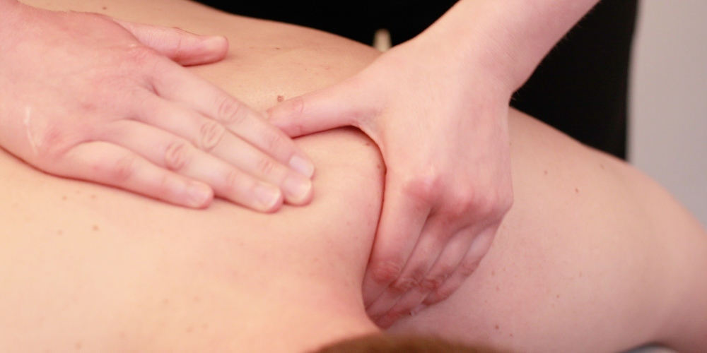 Osteopath Treatment for a shoulder injury